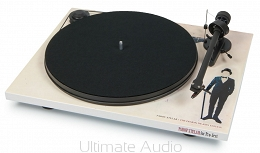 Pro-Ject Essential II Demon by Parov Stelar. Skorzystaj z 30 rat 0% w salonie Ultimate Audio Konin